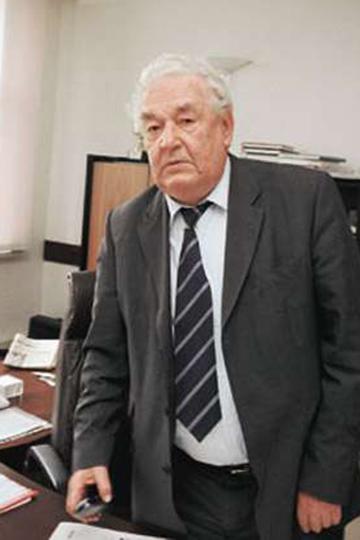 Наиль Хабибович Юсупов — руководитель Челнов иНижнекамска вначале ихстановления, позже— знаменитый директор «Тасмы», затем «Казаньоргсинтеза», которые возглавлял вобщей сложности около 30лет