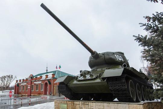 Казанского танковое училище недавно отметило свое 100-летие