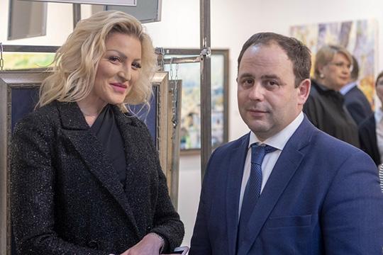 Дарья Санниковаотметила, что получила отличное настроение изаряд положительной энергии, аАзат Абзаловивовсе отизбытка чувств приобнял Шадрина
