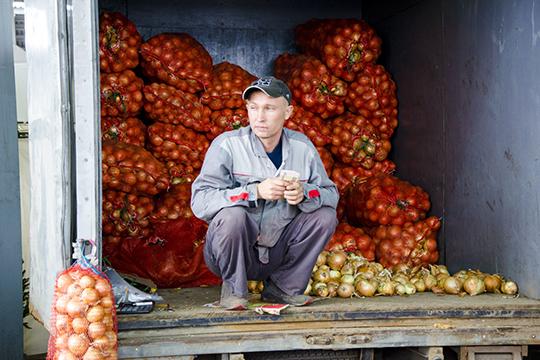 Помнению муниципальных чиновников, мобильная торговля савтолавки может быть приемлема для удаленного района, нонедля крупных городов