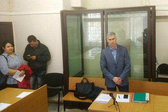 Адвокат Радмир Галимов попросил перевести процесс взарытый режим
