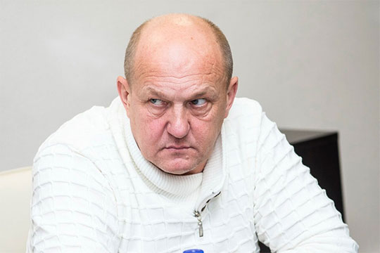 Владимир Капитонов: «Три часа двое там лазили, может, они с собой что-то принесли, подложили, поэтому их протокол я подписывать не стал. Да и ознакомиться с его содержанием эти эксперты не дали»