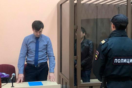 Айрат Уразманов – яркий и по профессиональным меркам молодой адвокат известен прежде всего благодаря своему бэкграунду