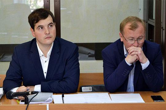Реальный успех Рината Вильданова (слева) — оправдательный приговор экс-заминистру лесного хозяйства РТ Махмутову. Больше года его обвиняли в мошенничестве, но вину доказать так и не смогли