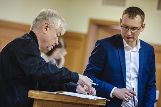 У Алексея Клюкина (справа) громких дел в его резюме, вроде бы и не прибавилось — он все так же защищает Роберта Мусина