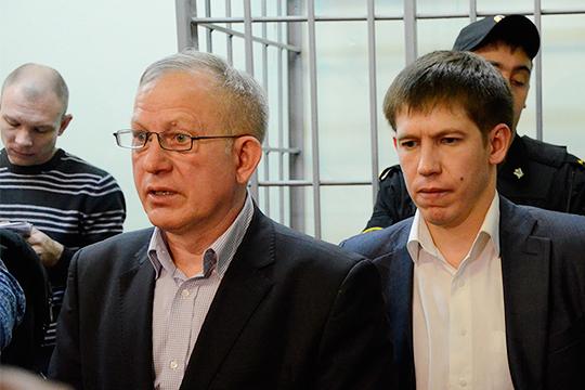 Особое место в нашем рейтинге занимает Мидхат Курманов (слева). Бывший министр юстиции РТ, защищая своего сына Ильдара, прошел все стадии уголовного процесса. Теперь полученный опыт использует для заработка