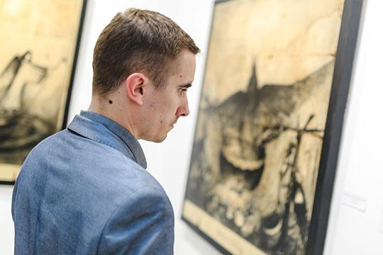 «Его искусство как калейдоскоп: взглянешь под другим углом – и уже иные ощущения»