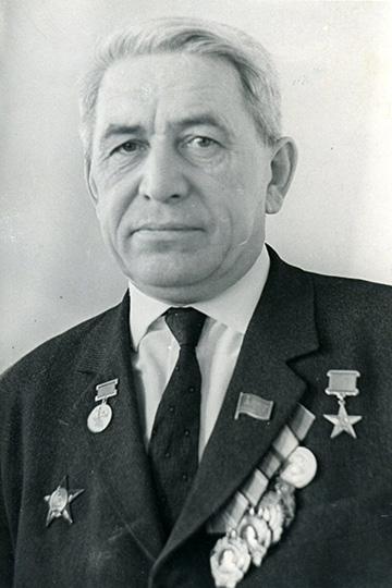 19 мая 1911 года родился легендарный директор Казанского авиазавода №22 имени С. П. Горбунова
