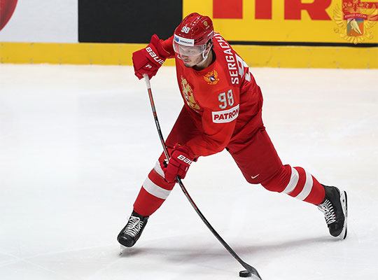 Сергачев — единственный защитник этой сборной, которому главный тренер сборной Илья Воробьёв доверяет большинство