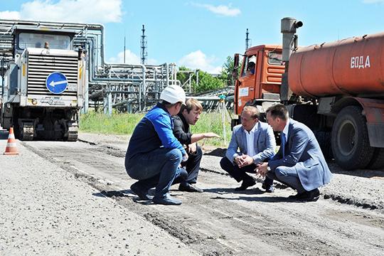 Айдар Метшин: «Это самая большая сумма, которую мыкогда-либо получали наремонт дорог»