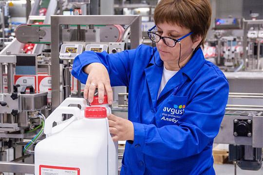 Канистры пока что делаются иззарубежных полимеров, новбудущем фирма планирует перейти напродукцию «Казаньоргсинтеза»