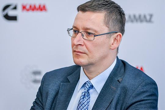 Устинов заявил, что внастоящее время партнеры определяются соспецификациями, ановая модель должна появиться уже вследующем году