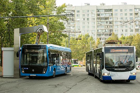 Запоследние два года КАМАЗ выиграл два аукциона напоставку встолицу 200 электробусов по33млн рублей заштуку и67 зарядных станций, которые обязался обслуживать 15лет