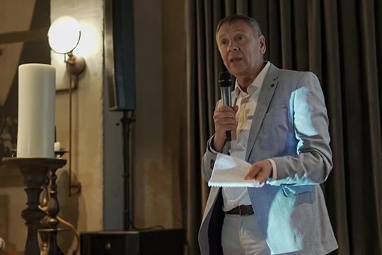 Сергей Марковвсвоей уже привычной экспрессивной манере сравнивал цифровизацию состроительством вXIX веке железных дорог, которые приносили деньги ивласть для пионеров