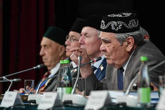 ТекстСтратегии развития татарского народанаходится насогласовании уМинтимера Шаймиева. Судя повсему, именно вердикт первого президента РТ повлияет нато, когда онможет быть принят