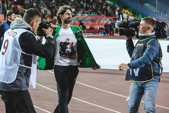 Рок — теперь это главная тема для «Рубина» в новом сезоне. Шаронов задал тренд, за который клуб ухватился и помимо футболок в стиле Металлики придумывает другие фишки