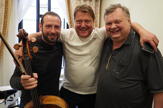 В«Вариациях натему рококо» солировал номинант премии GrammyБорис Андрианов (слева)