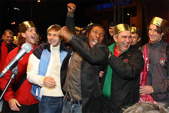 Самые успешные 5 туров на старте чемпионата показал Курбан Бердыев в первом золотом сезоне клуба. В 2008 году команда выдала 100-процентный результат — 15 очков в 5 встречах