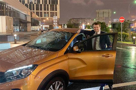 О кредитном «пузыре» заявил глава минэкономразвития РФ Максим Орешкин. По расчетам его ведомства, пузырь лопнет в 2021 году. А значит, к этому сроку стоит ожидать еще большего проседания продаж новых автомобилей