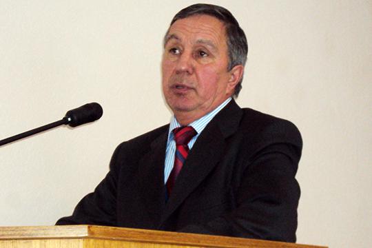 Марат Зарипов руководилБалтасинскимрайоном с1999 по2012 годы.Уже полгода СКиУБЭП расследуют его возможные злоупотребления