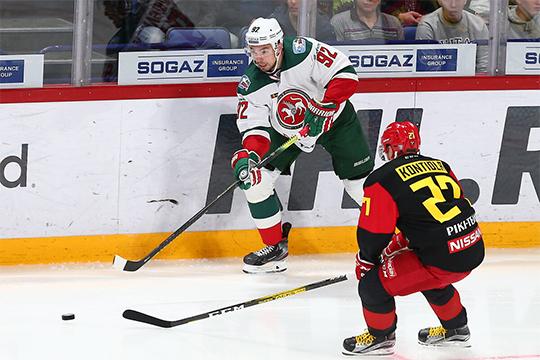 Лучшим защитником казанцев сейчас можно назвать Ожиганова. Он не смог закрепиться в НХЛ и через год после отъезда в Северную Америку вернулся в Россию