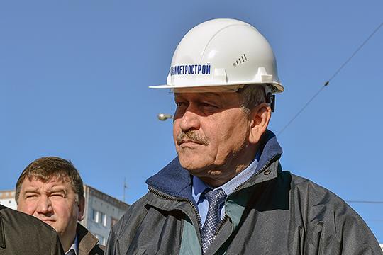 """Марат Рахимов: «Если работаем — то работаем, а если нет, то можно вообще и """"нулевку"""" ввести. Я строймонтажник, чем больше я работаю, тем больше у меня денег. А какой смысл в четырехдневке? Не вижу резона никакого»"""