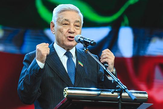 Фарид Мухаметшин в своей речи также подчеркнул, что главной задачей творческого союза является сохранение языка