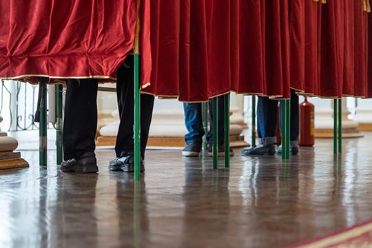 «Ну, куда податься простому человеку при так называемом голосовании? За «Единую Россию голосовать западло. За ЛДПР вроде как неприлично. Остаются коммунисты»