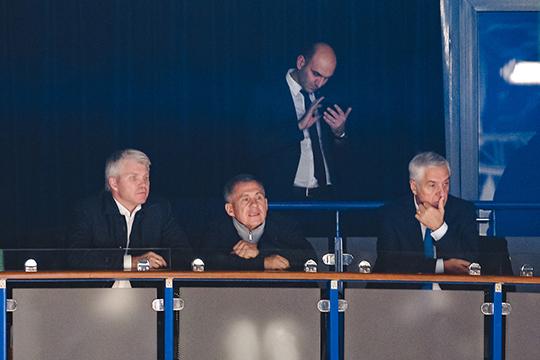 Рустам Минниханов прибыл на хоккей вместе с министром спорта России Павлом Колобковым
