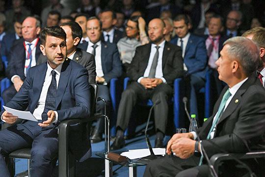 «Там крысы бегают!»: как Минниханов дискутировал сНафиковым обамнистии коровникам