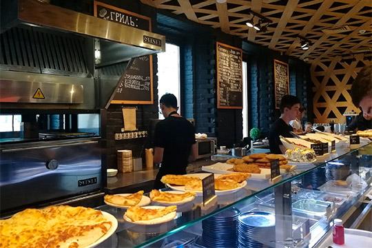 Вся кухня взаведениихаляльная, многие продукты, например сыр сулугуни ипанир, доставляются сличной фермы владельцев вАрском районе