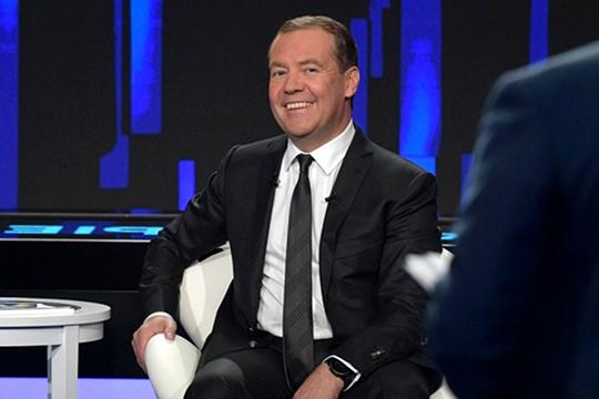 «Еслибы Медведев соображал, томогбы уничтожать нашу экономику более эффективно»