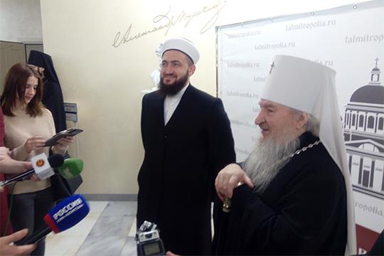 Камиль Самигуллин (слева) приехал нарождественские чтения, что называется, скорабля набал