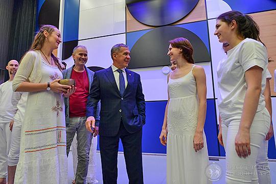 Объект посетил президент республики Рустам Минниханов, его сопровождали руководитель центра Артур Мингазов и министр культуры РТ Ирада Аюпова