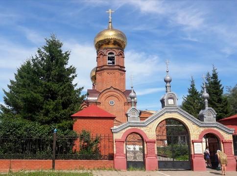 В главном своде в списке культурного наследия по Челнам всего два здания — Боровецкая церковь 1872-82 годов постройки (на фото) и Орловская церковь 1844 года
