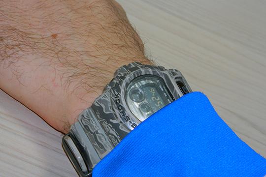 «В10-м классе получить даже небольшие деньги было очень приятно. Якупил себе наручные часы, которые ношу досих пор! Стоили они тогда примерно 12 рублей»