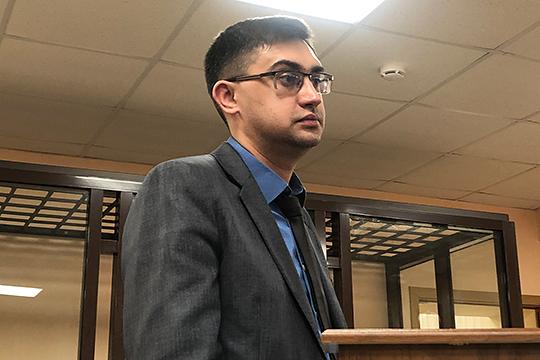Айнур Ахметзянов с 2011 по декабрь 2016 года работал в Татфондбанке на должности главного специалиста управления проектного финансирования