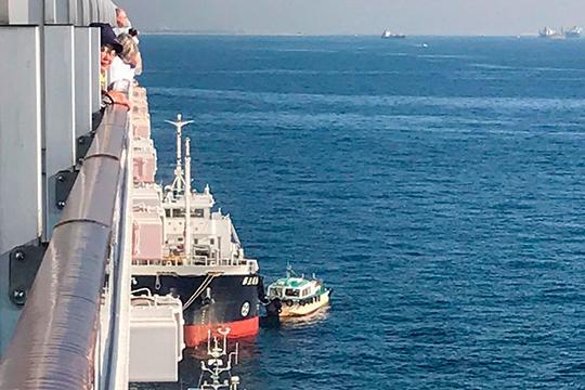 Налайнере находятся более 3,7тыс. человек, включая 1045 членов экипажа и2666 пассажиров из56 стран, втом числе изРоссии