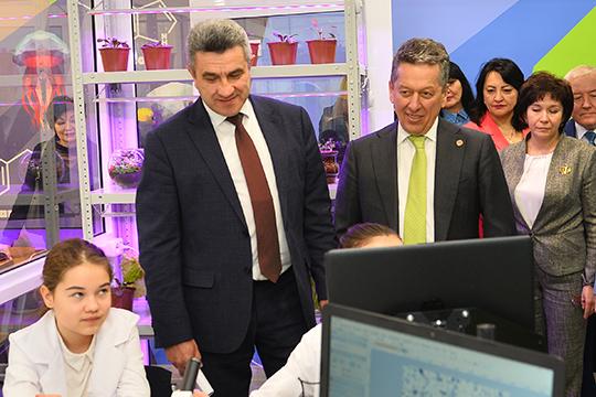 «Возможны любые опыты»: Наиль Маганов открыл уникальную для РФбиолабораторию