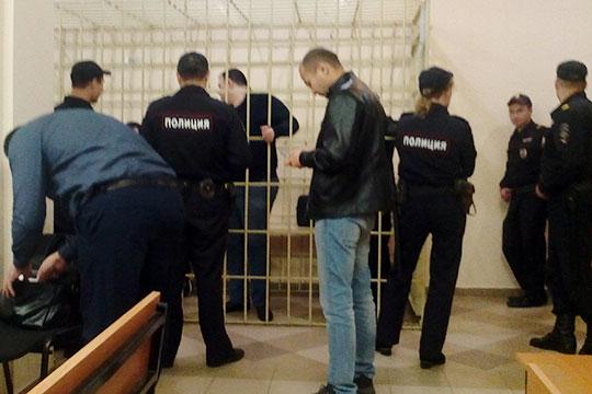 Судья Сабитов принял решение и продлил каждому фигуранту дела ранее избранную меру пресечения до 16 января 2019 года