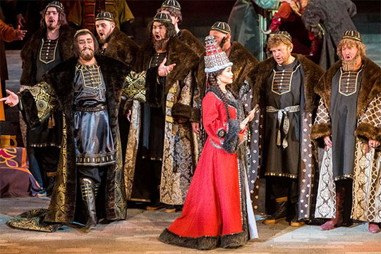 Многочисленные восторги вокруг недавней - первой за 12 лет - премьеры татарской оперы в ТАГТОиБ им. Джалиля, судя по всему, никак не отразятся на судьбе постановки