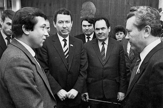 Слева направо: Николай Ларин, Шамиль Мустаев, АркадийРодыгин, Минтимер Шаймиев,Гумер Усманов