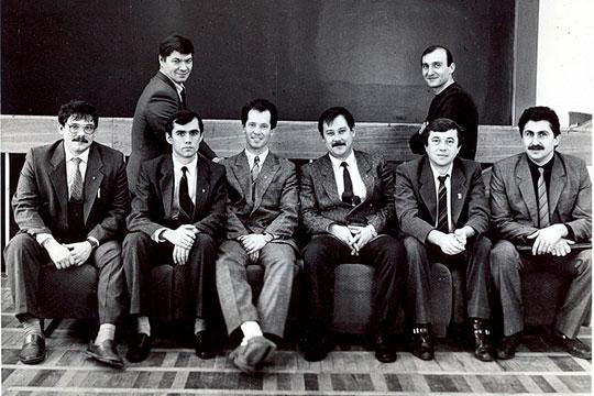 Нижний ряд (слева направо): Сергей Метелев, Владимир Иванов, Ильдус Насыров, Мурат Гадельшин, Николай Ларин