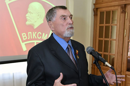 Сначала 2000-хБорис Леушинработал заместителем председателя правления «Энергобанка»
