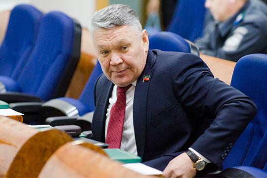 Рафис Бургановвдекабре 2017 года назначен заместителем премьер-министра РТ— министром образования РТ
