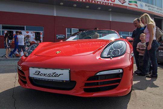 Немецкий Porsche в очередной раз подтвердил свой статус любимца казанского, и отчасти татарстанского, бомонда