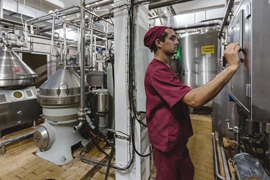Насайте «Башмилка» указывается, что предприятие перерабатывает 120 тысяч тонн молока вгод,аноменклатура выпускаемой продукции превысила100 единиц