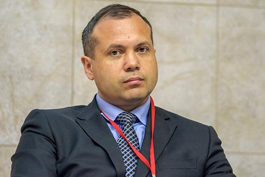 Дмитрий Вандюков сообщил, что ежедневно вработающих всистеме документооборота регионах иведомствах создается 112 тысяч документов ипишется 250 тысяч резолюций