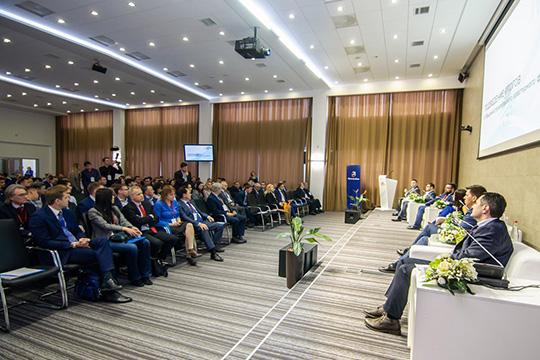 Около 800 делегатов из30 регионов России ипредставителей неменее десятка зарубежных компаний, занятых вмашиностроении собрал IVмашиностроительный кластерный форум