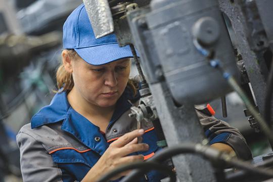 В «Стратегии-2030» говоритсяонеобходимости обеспечения роста производительности труда насредних икрупных предприятиях базовых несырьевых отраслей экономики нениже 5% вгод